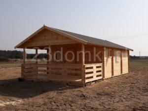 drewniany domek na działce