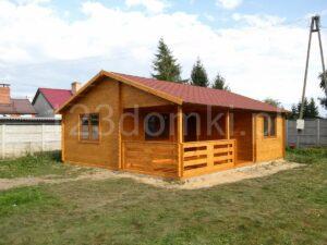 drewniany domek parterowy